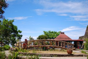 People's Park in the Sky, Tagaytay, Cavite. This is only one of the right places to have a wide appreciation of how beautiful the southern part of the Philippines is. At this view deck, you can see the ever-famous Taal Lake plus the Canyon Woods subdivision on the opposite side. It's a sure eye-treat!